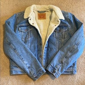 Levi's Sherpa lined denim jacket XL